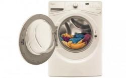 Balta skalbimo mašina
