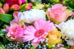 Gėlės su pristatymu į namus